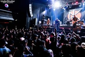 Dead Kennedys en Groove: Un golpe depunk